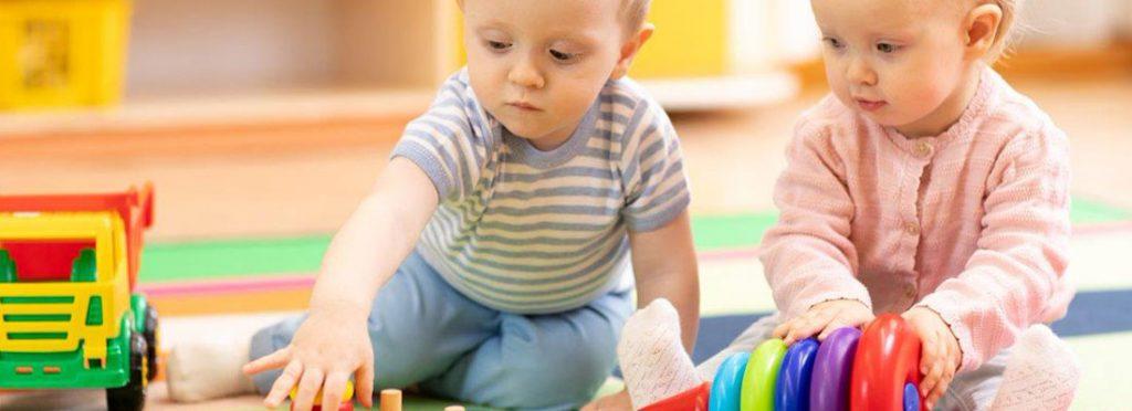Choisir les jouets d'éveil de son bébé