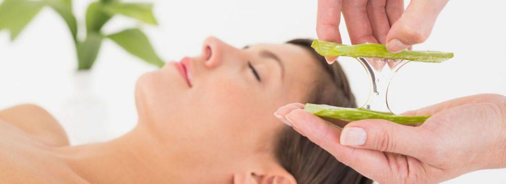 Massage du corps à l'aloe vera